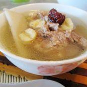 莲子炖猪骨汤