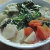 蔬菜面条烩饺子