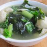 小白菜裙带鱼丸汤