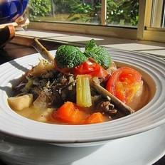 迷迭香杂菜羊骨汤