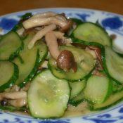 蟹味菇炒瓜片