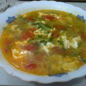 西红柿鸡蛋黄瓜汤