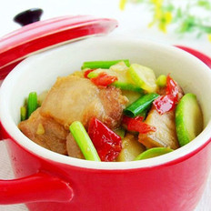 剁椒五花肉炒西葫芦