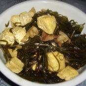 五花肉海带炖冻豆腐