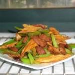 芹菜腐竹炒肉