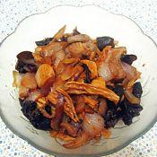 洋葱腐竹木耳炒肉