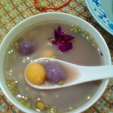 双色汤圆绿豆汤