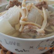 海鲜菇萝卜排骨汤