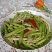 海鲜菇炒芦笋