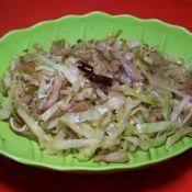 卷心菜炒猪耳丝