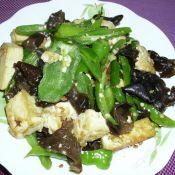 辣椒豆腐炒木耳