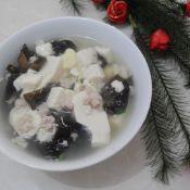 黑木耳豆腐汤