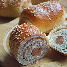 玉米肠肉松卷面包