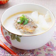 鲫鱼萝卜奶汤