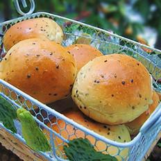 黑芝麻桑葚果酱小面包