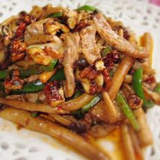 茶树菇核桃小炒肉