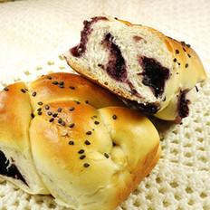 桑葚果酱辫子面包