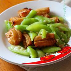 丝瓜炒老油条的做法