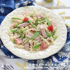 午餐肉意粉沙拉的做法