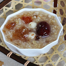 桃胶薏米粥