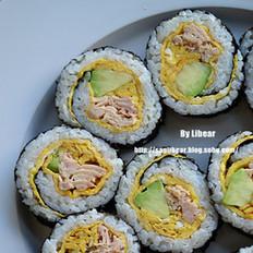 鳄梨金枪鱼寿司卷