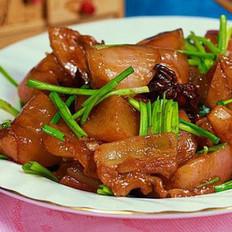 五花肉烧小水萝卜