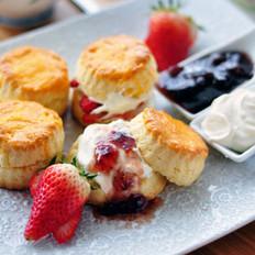 草莓鲜奶油司康