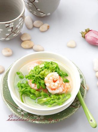 虾仁九里香汤的做法