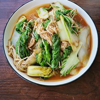 金针菇炒青菜